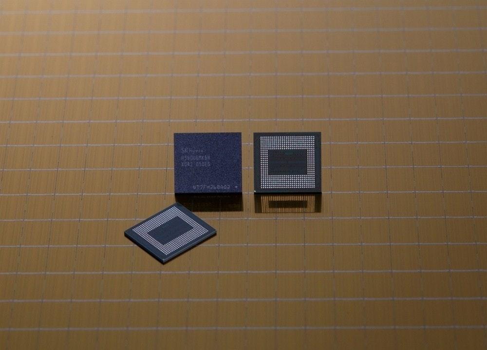 照片中提到了458006MKGN,包含了SK海力士、SK海力士、動態隨機存取存儲器、低功耗DDR、電腦內存
