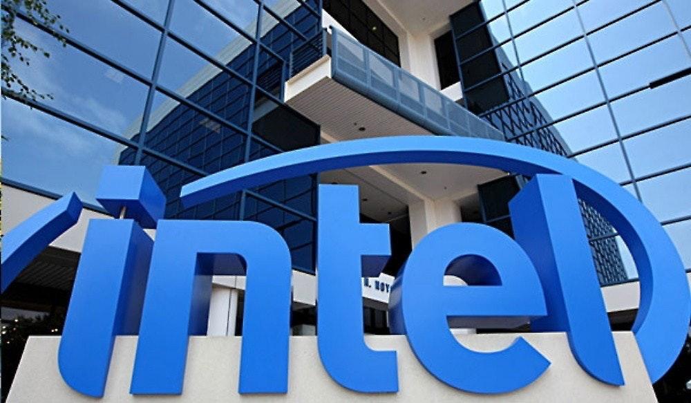 照片中跟英特爾有關,包含了英特爾博物館、電腦、中央處理器、阿爾泰拉