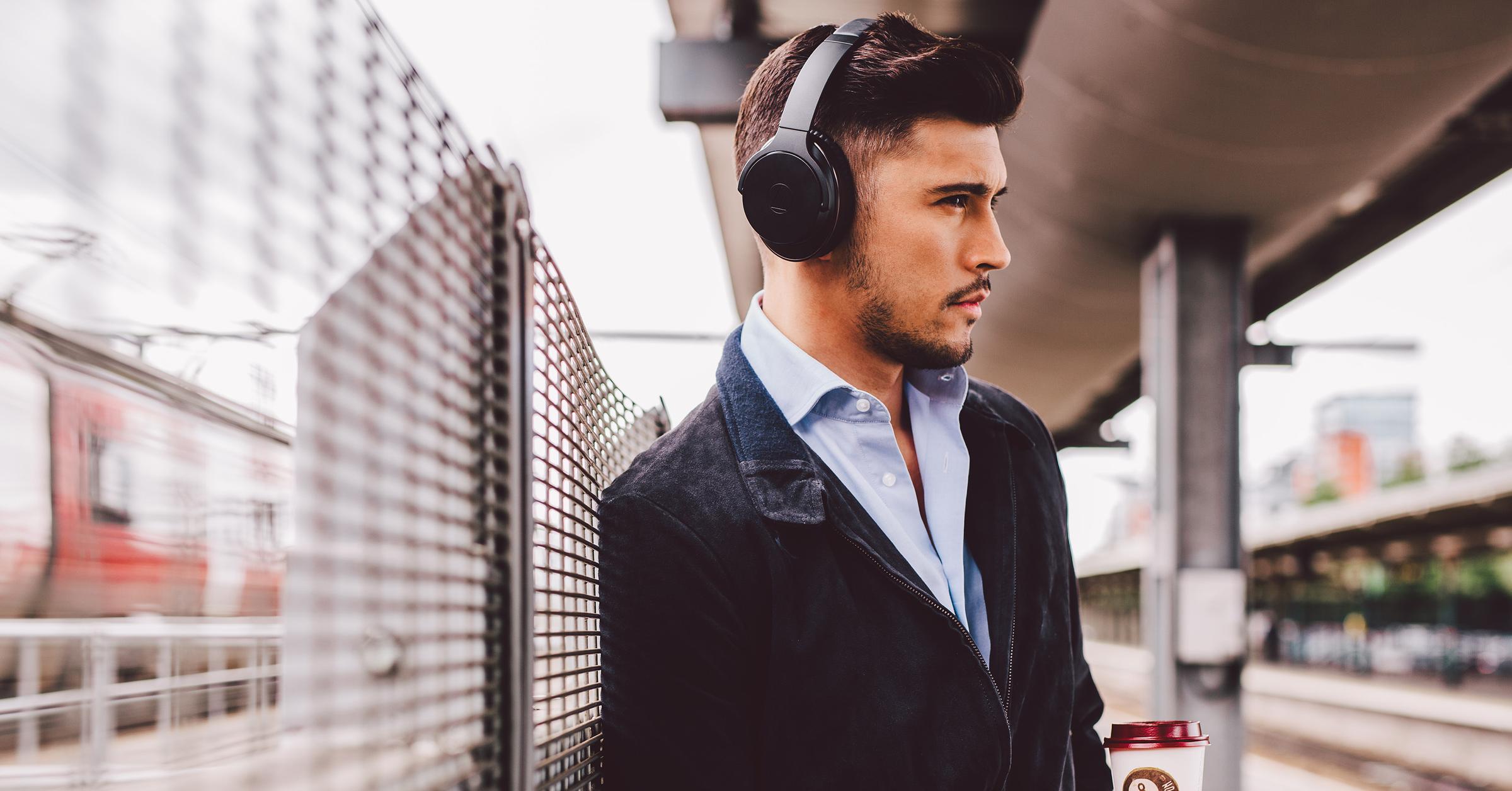 Microphone, Audio-Technica, CES, Audio Technica ATH-ANC900BT QuietPoint Wireless Active Noise-Cancelling Headphones, Headphones, Active noise control, Noise-cancelling headphones, Audio-Technica ATH-DSR7BT, Audio-Technica QuietPoint, Bose QuietComfort, audio technica ath anc900bt, Suit, White-collar worker, Audio equipment, Gentleman, Male, Ear, Formal wear, Fashion, Human, Headphones