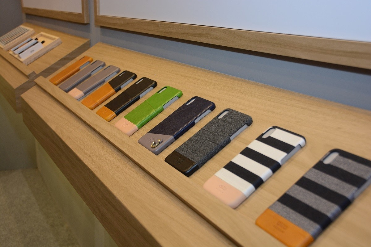Pianet, Varnish, Wood stain, Musical Instruments, Musical Instrument Accessory, Electronic Musical Instruments, Musical keyboard, Wood, Product design, Keyboard, floor, Technology, Electronic device, Electronic instrument, Musical keyboard, Keyboard, Musical instrument, Digital piano, Wood, Piano, Electric piano