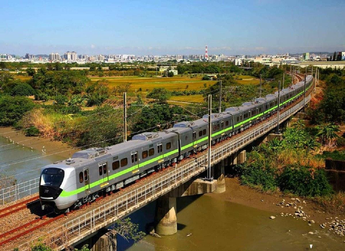 照片中包含了跟踪、鐵路交通、培養、台灣鐵道局、本地火車