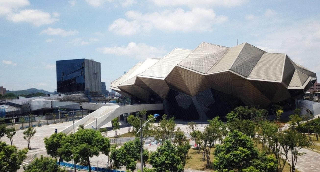 照片中包含了旅遊景點、台北流行音樂中心、設計、建築、藝術