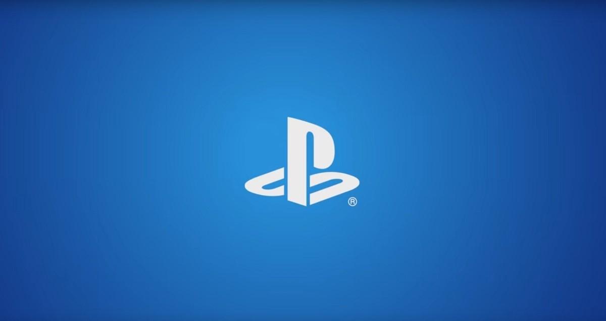 照片中跟的PlayStation有關,包含了Playstation應用、商標、牌、產品設計、產品