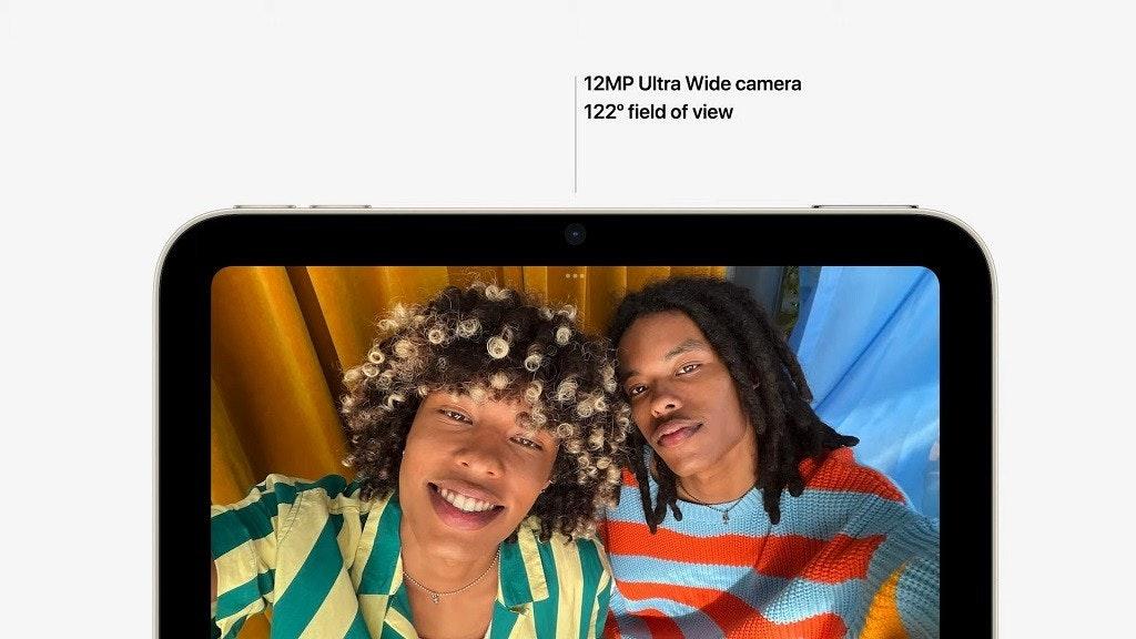 照片中提到了12MP Ultra Wide camera、122° field of view,包含了網站、會話、產品、牌、自拍