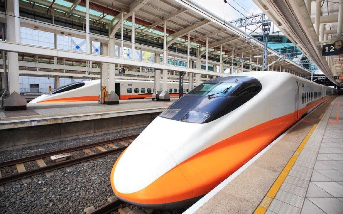 照片中提到了12,包含了培養、培養、鐵路交通、高速火車、新幹線