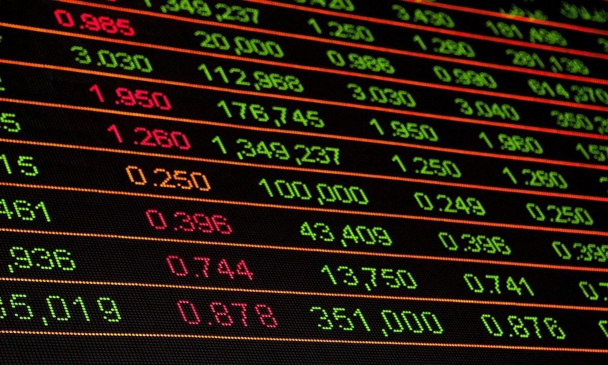 照片中提到了3A30 181 A36、49,237、へ2S,包含了圖案、股票交易、金融市場、股市、華爾街