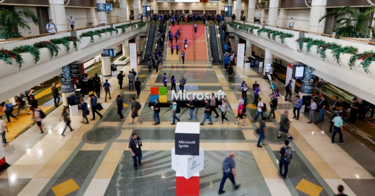 照片中提到了Microsoft、Microsoft、Ignite,跟微軟公司、微軟公司有關,包含了微軟點燃2019、微軟點燃、微軟Azure、雲計算