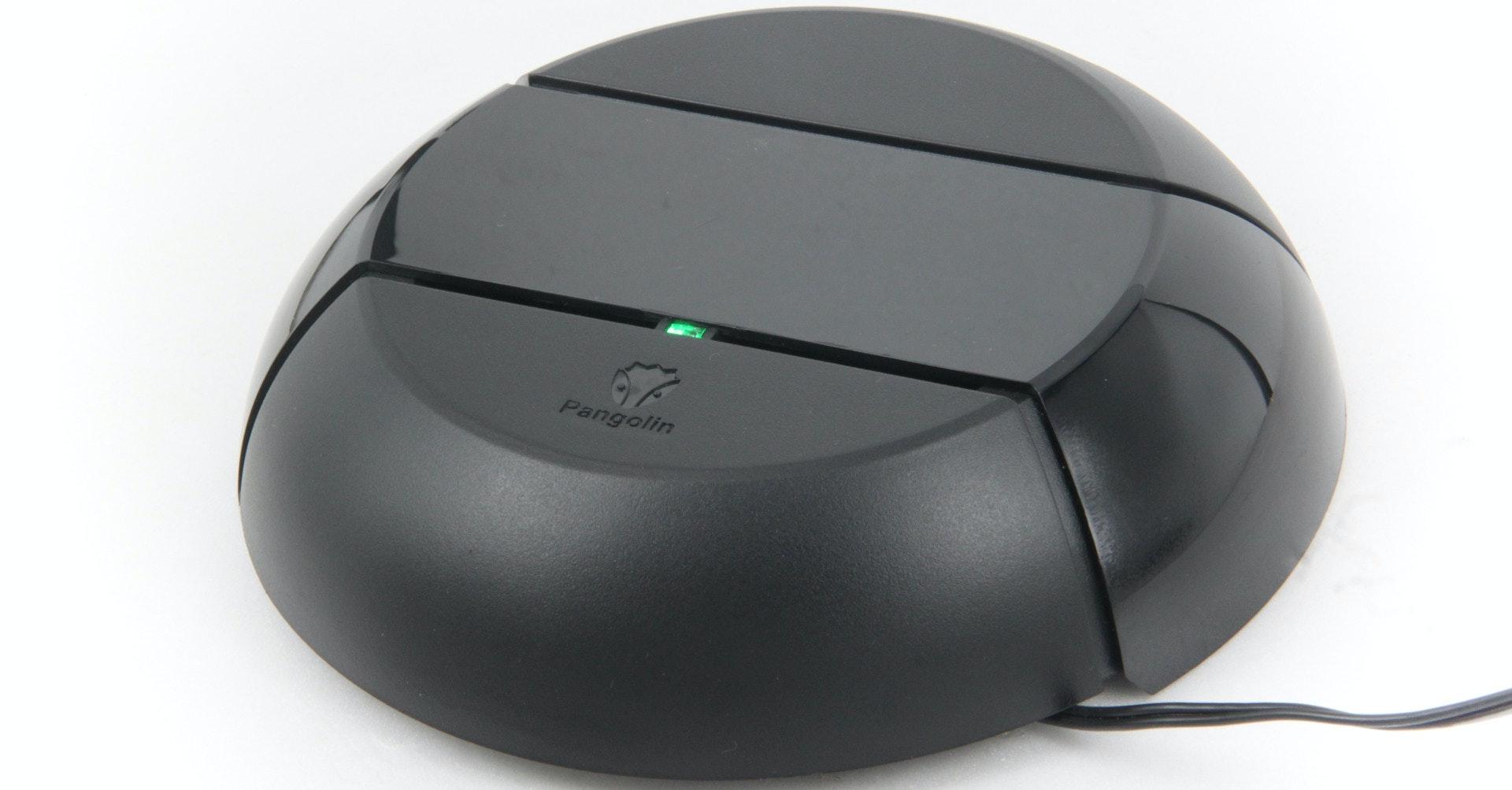 照片中提到了Pangolin,跟數據狗有關,包含了老鼠、輸入設備、電腦鼠標、產品設計、產品