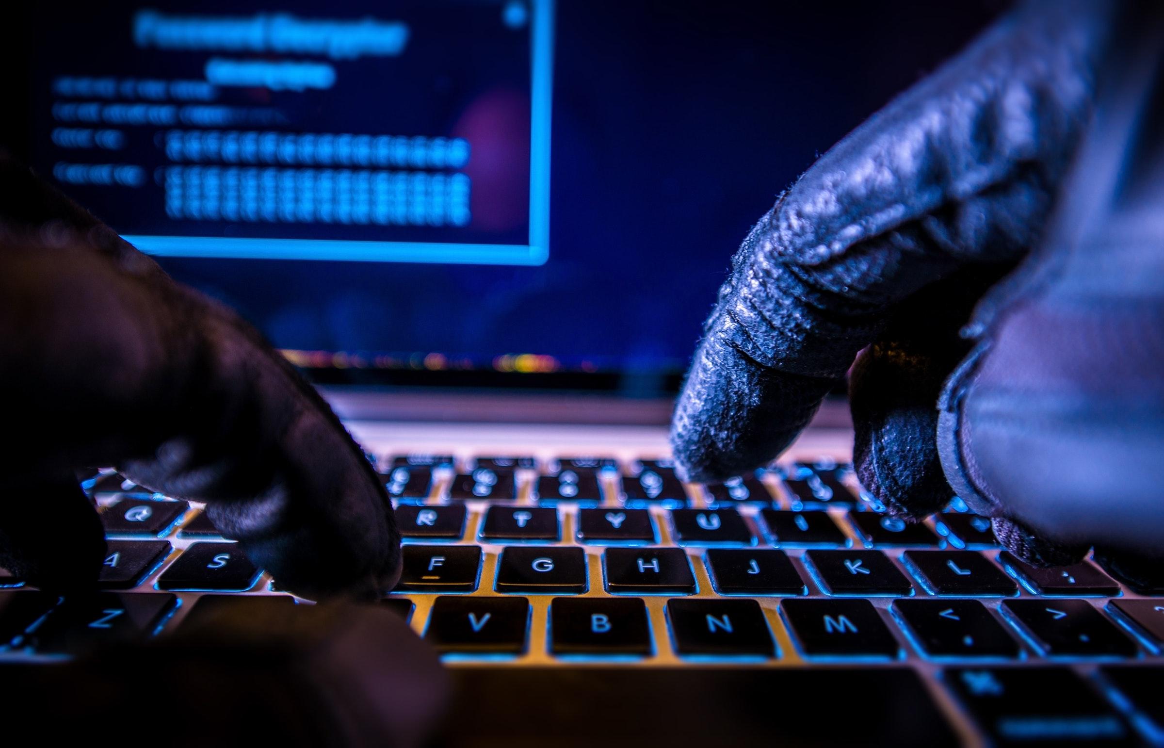 照片中提到了20、G H、V,包含了teamviewer駭客、安全黑客、電腦安全、數據洩露、黑客
