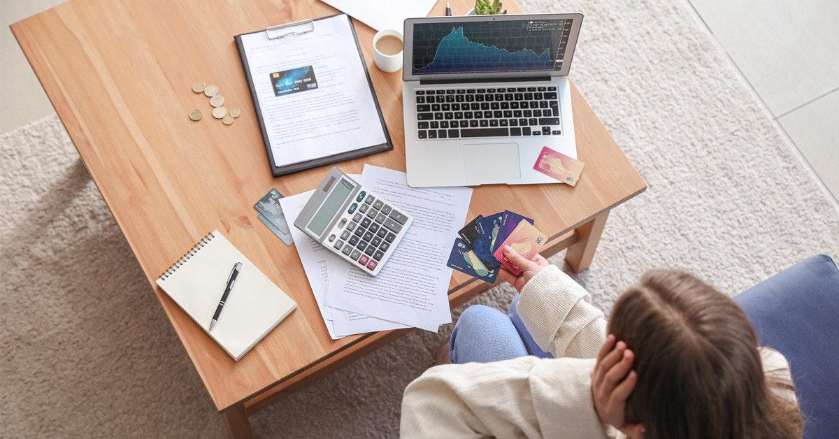 照片中包含了的MacBook Pro、蘋果MacBook Pro、產品設計、台、設計