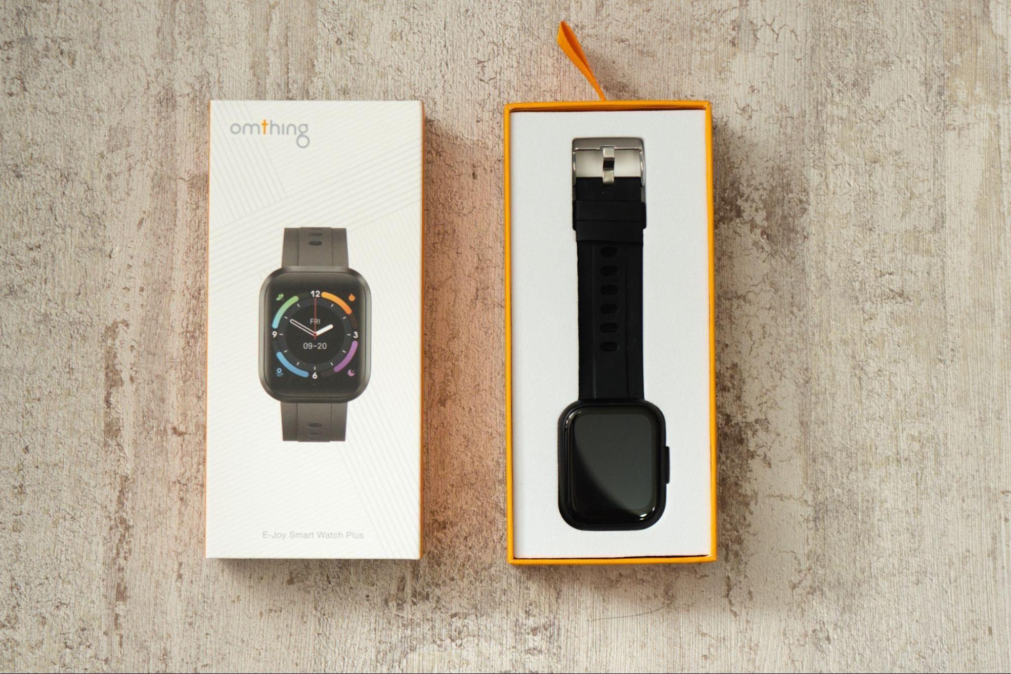 照片中提到了omthing、FRI、09-20,包含了產品設計、產品、牌、設計