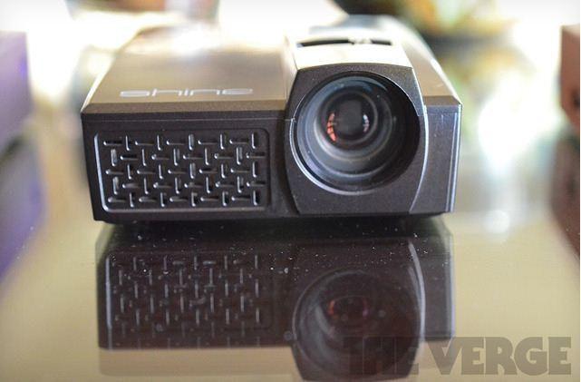 是Velocity Micro Shine 小閃光投影機這篇文章的首圖