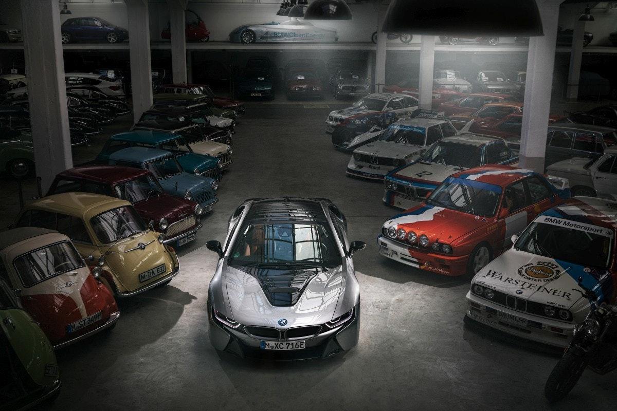 照片中提到了8AWCloanEnergy、BMW Motorsport、Uarfene,跟拉杜雷、海豚發現有關,包含了寶馬i8、寶馬、汽車、寶馬i3、跑車