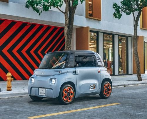 雪鐵龍迷你電動車 Ami 法國不需駕照 14 歲就能開 配備有暖氣沒冷氣