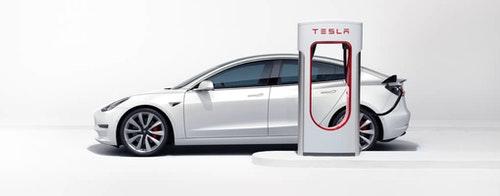 Tesla 將禁止事故、泡水、改裝車使用超級充電站 除非自費通過高壓安全檢查