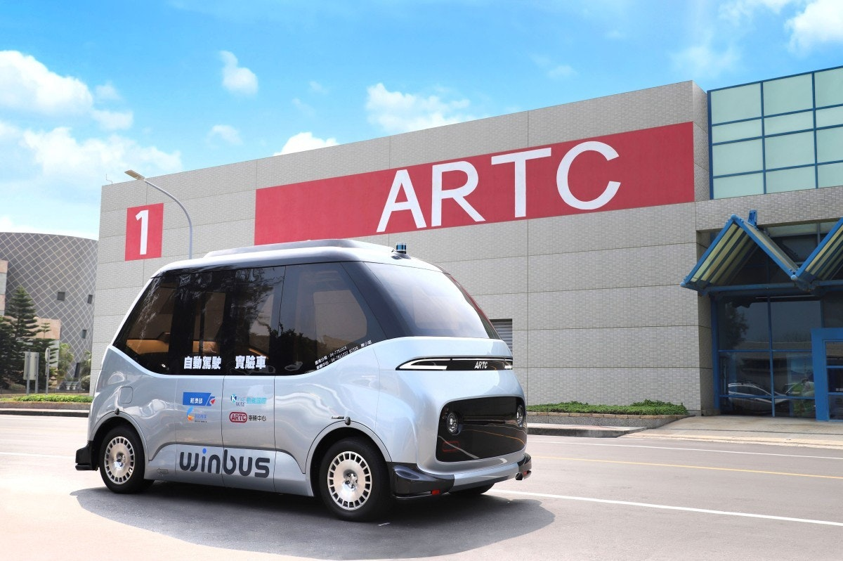 照片中提到了1、ARTC、自動駕駛 實驗車,跟倫頓技術學院有關,包含了城市車、緊湊型車、汽車、小型貨車、電動車