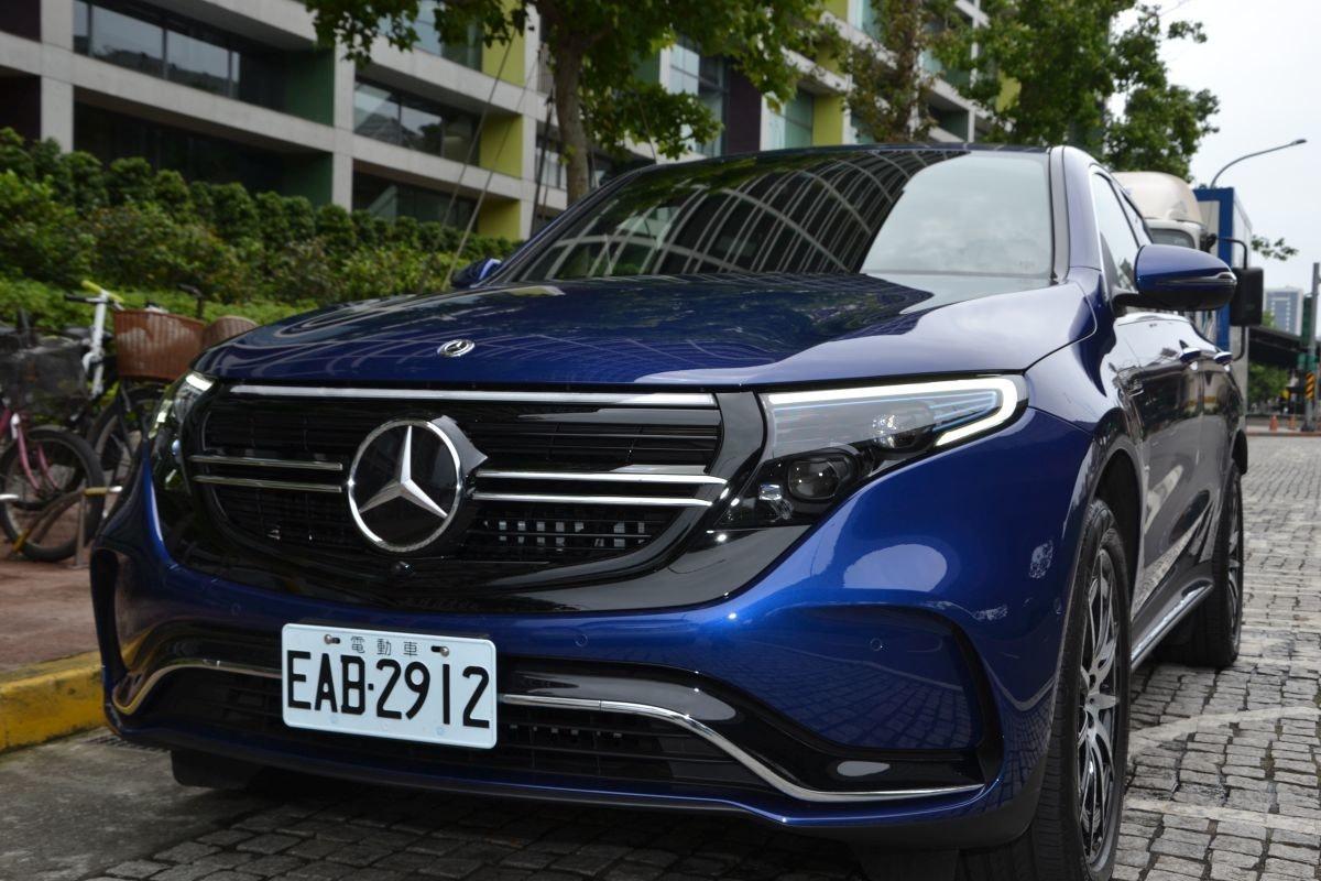 照片中提到了G電動車-、EAB 2912,跟梅賽德斯·奔馳有關,包含了豪華車、奔馳GLE、奔馳GLS、汽車、中型車