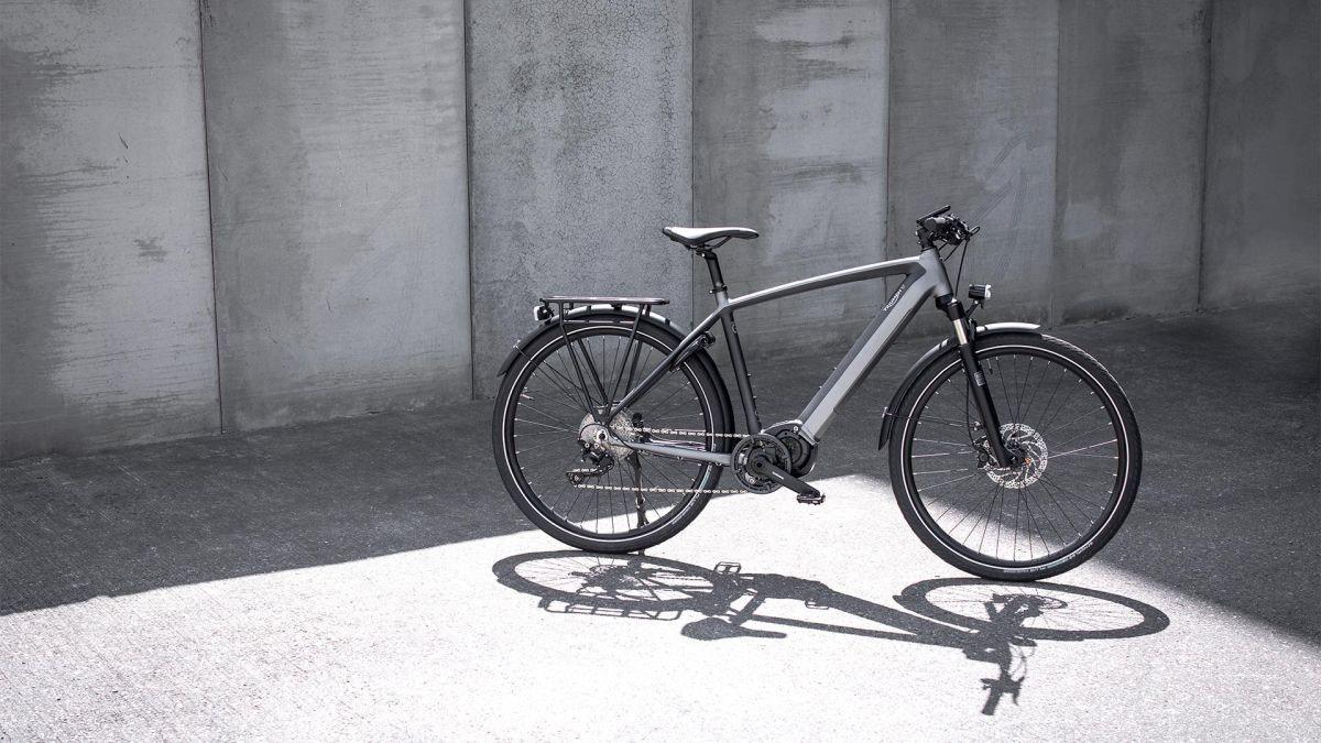 照片中包含了公路自行車、腳踏車、自行車輪、公路自行車、勝利摩托車有限公司