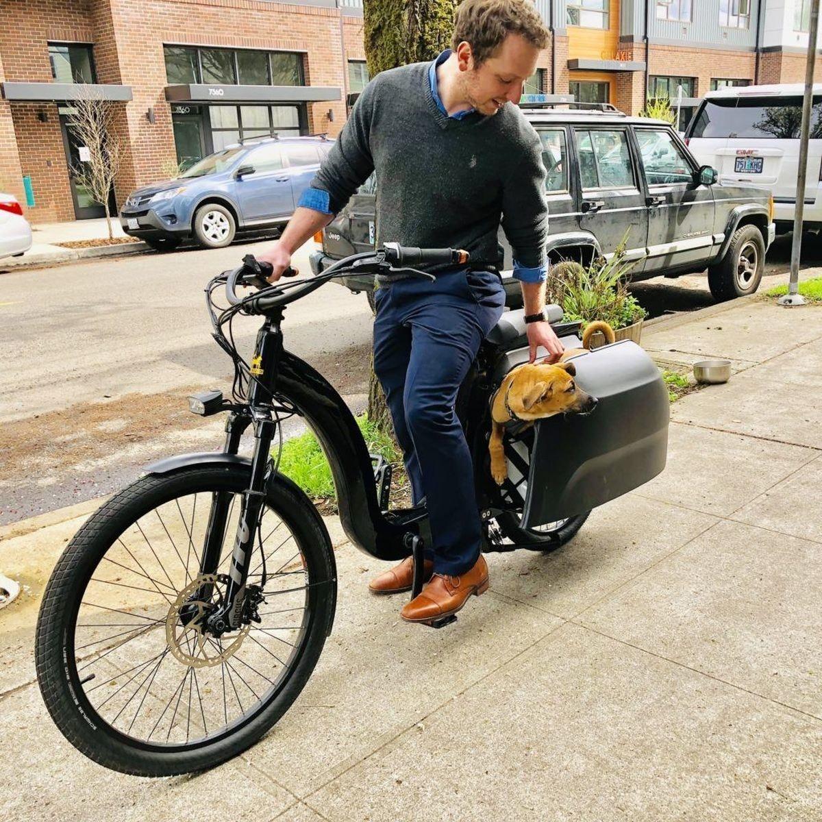 照片中提到了7560,包含了自行車配件、自行車輪、自行車、自行車車架、自行車座墊