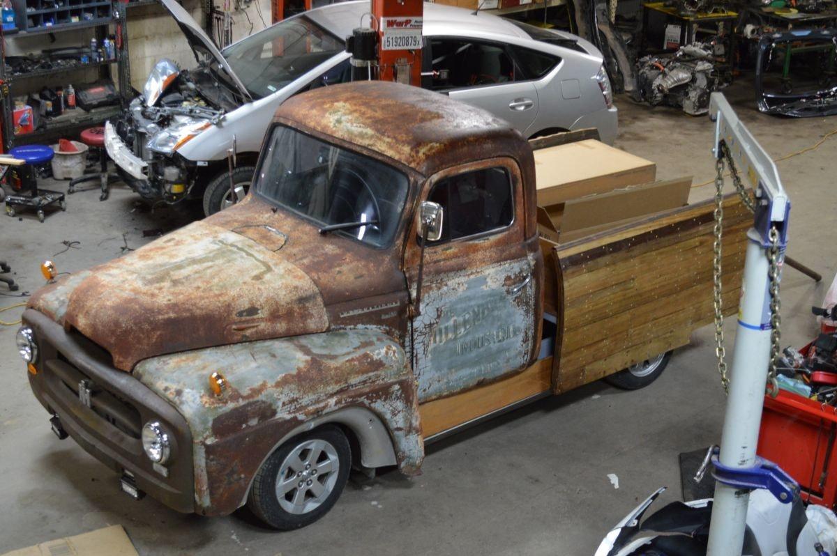 照片中提到了WarP、51920879、LAARLLLL,包含了皮卡車、皮卡車、緊湊型車、中型車、汽車