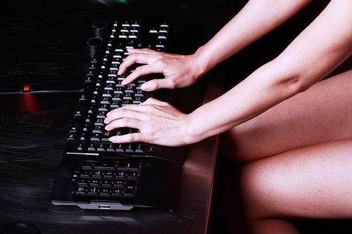 鍵盤 + Model