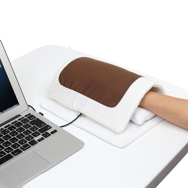 是保暖的USB滑鼠墊又來了,但這次外形設計頗有梗,又結合實用的手腕墊機能 這篇文章的首圖