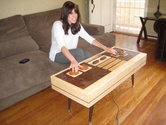 是可以是桌子也可以是任天堂手把的茶几這篇文章的首圖