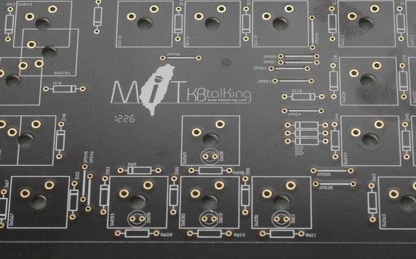 是藍牙1對10,有線、無線共用的KBtalKing Pro機械式鍵盤完全說明,讓你對他有進一步的認識這篇文章的首圖