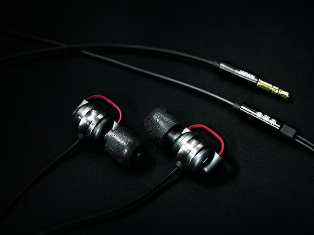 是改為鈦框體,音茶樂宣布 Flat4 Ti Plus 對稱相挽耳機這篇文章的首圖