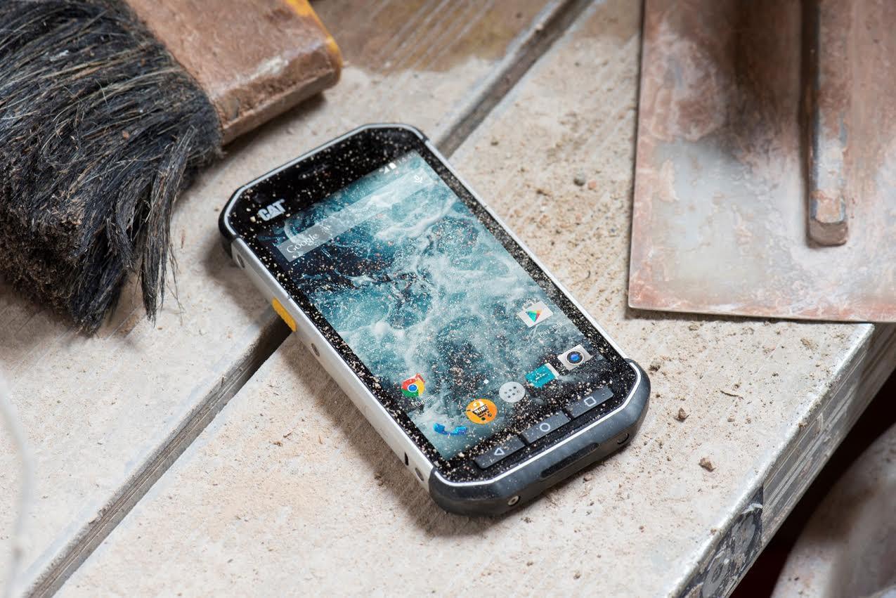 是粗曠強悍的生存系手機, Cat S40 軍規三防手機將在台推出這篇文章的首圖