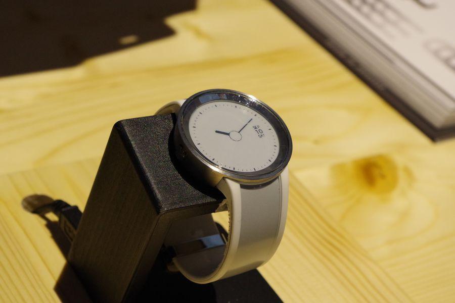 是IFA 2016 :時尚電子紙手錶 FES Watch U 動眼看這篇文章的首圖