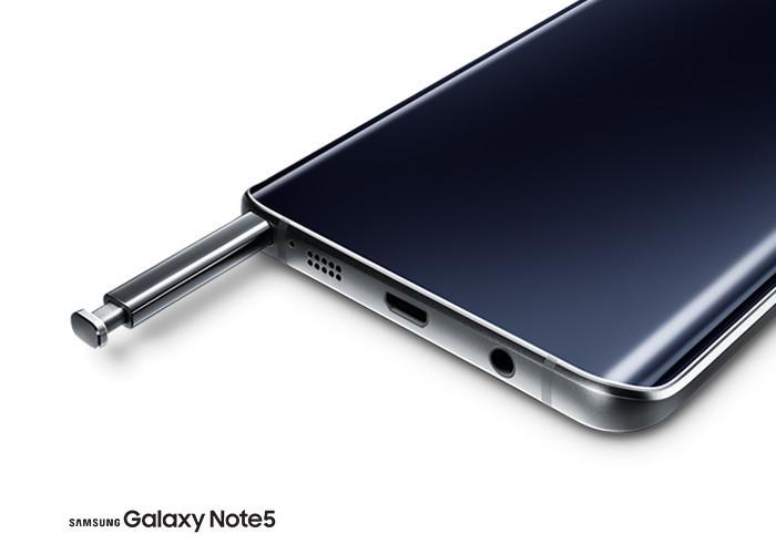 是使用 Galaxy Note 5 之前最好閱讀說明書,畢竟 S Pen 的收納其實是有方向性的這篇文章的首圖