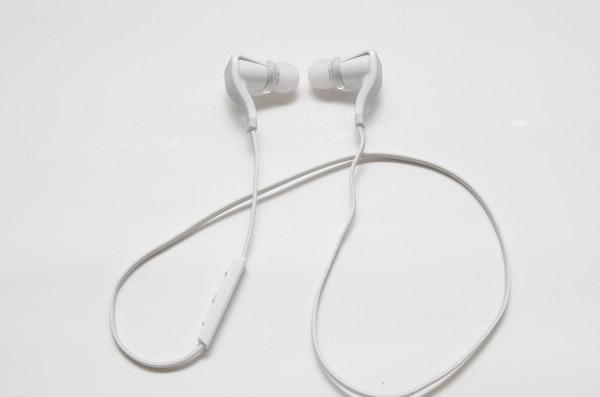 是彷若耳塞般的藍牙運動耳機, Plantronics BackBeat Go 2 動手玩這篇文章的首圖