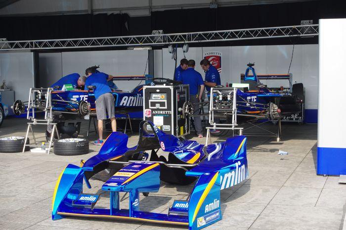 McLarlen 將出手協助強化 Formula E 賽車電池,新電池不僅更快還能跑完整場比賽