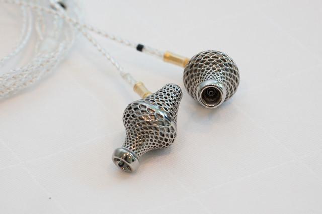 是Final 新耳機發表,第二款金屬 3D 列印耳機 Lab II 與最輕耳機 F7200 登場這篇文章的首圖