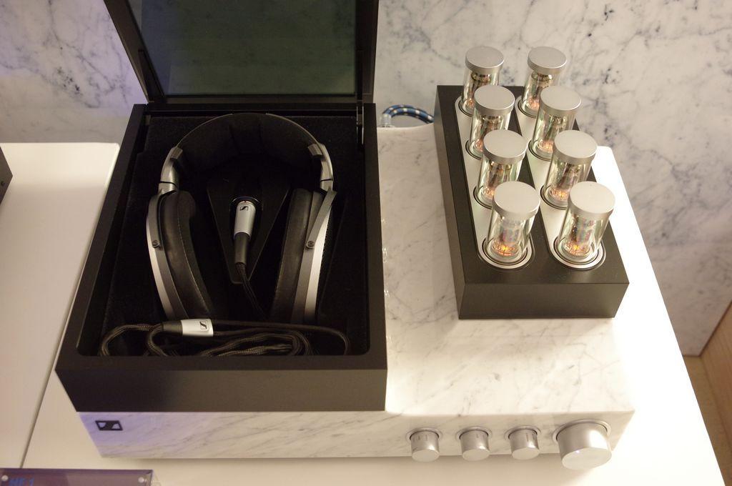 """是既是極致的靜電耳機同時也是家飾精品, Senneiser """"新大奧"""" Orpheus 靜電系統體驗這篇文章的首圖"""