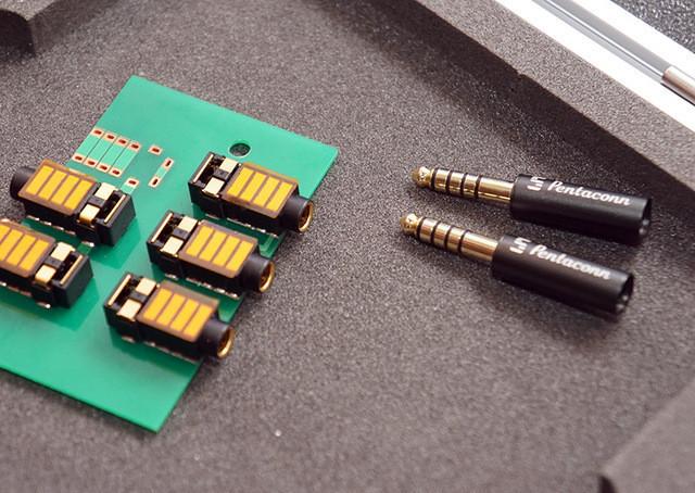 是當蘋果砍掉了 3.5mm 耳機插槽,為何日本音響協會還要制定全新的 4.4mm 平衡端子?這篇文章的首圖