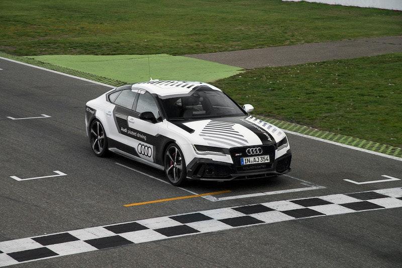 是這不是黑科技! Audi 以新款 RS 7 Concept 在賽道展示精準的無人自動駕駛技術這篇文章的首圖