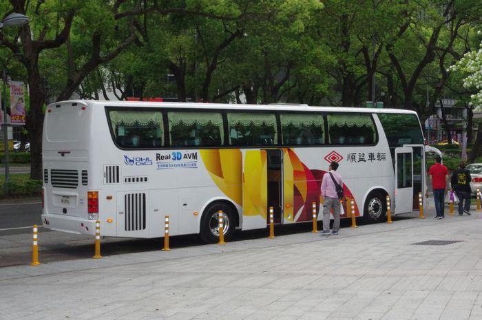 是政府機關要降低小型載具的事故發生率,何不從導入大型公眾運輸工具的輔助駕駛系統做起?這篇文章的首圖