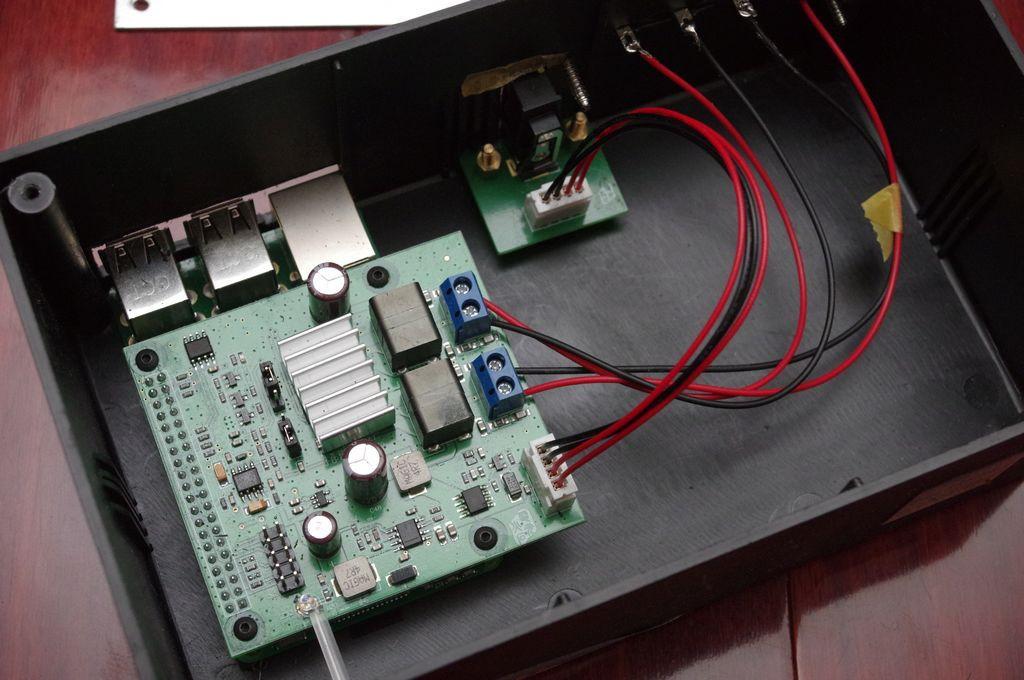 是簡單搞定個人串流音響,電光火石 FSAPiAMP +樹莓派 3B + Volumio 2 動手玩這篇文章的首圖