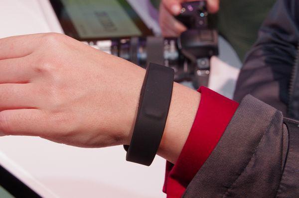 是CES 2014 : Sony Mobile 將智慧穿戴視為發展重點,於 CES 發表 SmartBand 終端與 LifeLog app這篇文章的首圖