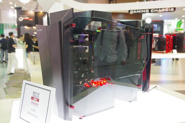是Computex 2014 :迎廣展出使用達兩米鋁板凹折而成的 S-Frame 開放式機箱這篇文章的首圖