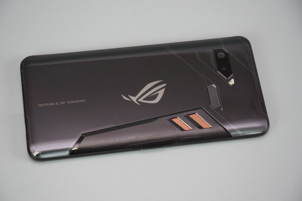 Smartphone, Feature phone, Electronics Accessory, Product design, Electronics Accessory, Mobile Phones, Electronics, Design, , Asus, asus rog, electronic device, technology, mobile phone, gadget, communication device, product, hardware, electronics accessory, portable communications device, smartphone, Blue