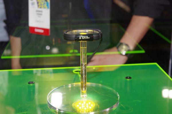 是Razer Nabu 手環將於 12 月 2 日在北美開賣,其他國家陸續推出這篇文章的首圖