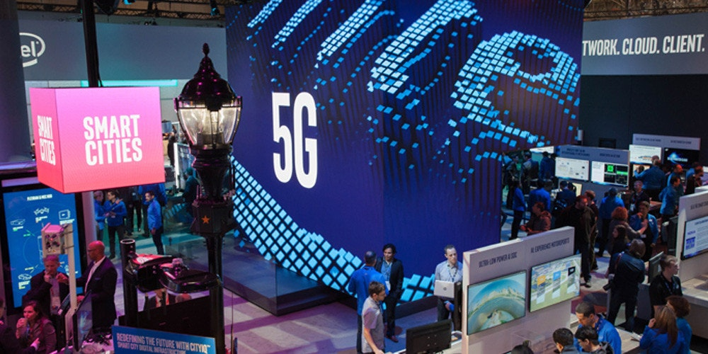 2019 Mobile World Congress, , Intel, 5G, Mobile Phones, 2018 Mobile World Congress, Modem, , Qualcomm, Qualcomm Snapdragon, intel mwc 2019, Display device, Electronics, Technology, Design, Led display, Games, Electronic device, Flat panel display, Advertising, Event