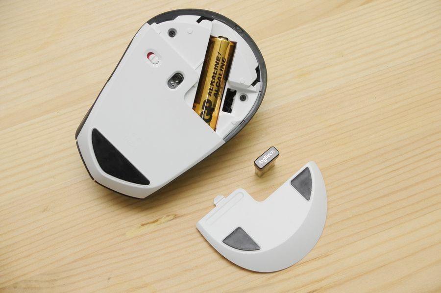 Computer mouse, , Logitech, Logitech M720 Triathlon, Bluetooth, Wireless, Computer hardware, Device driver, Design, Product design, mouse, Technology, Electronic device, Gadget, Finger, Logo