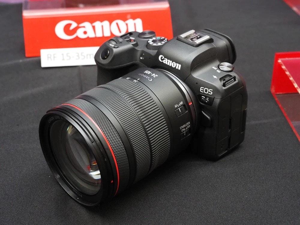照片中提到了Canon、RF 15-35m、Canon,跟佳能公司、佳能公司有關,包含了數碼單反、數碼單反、佳能EOS R5、無反光鏡可換鏡頭相機、佳能EOS R