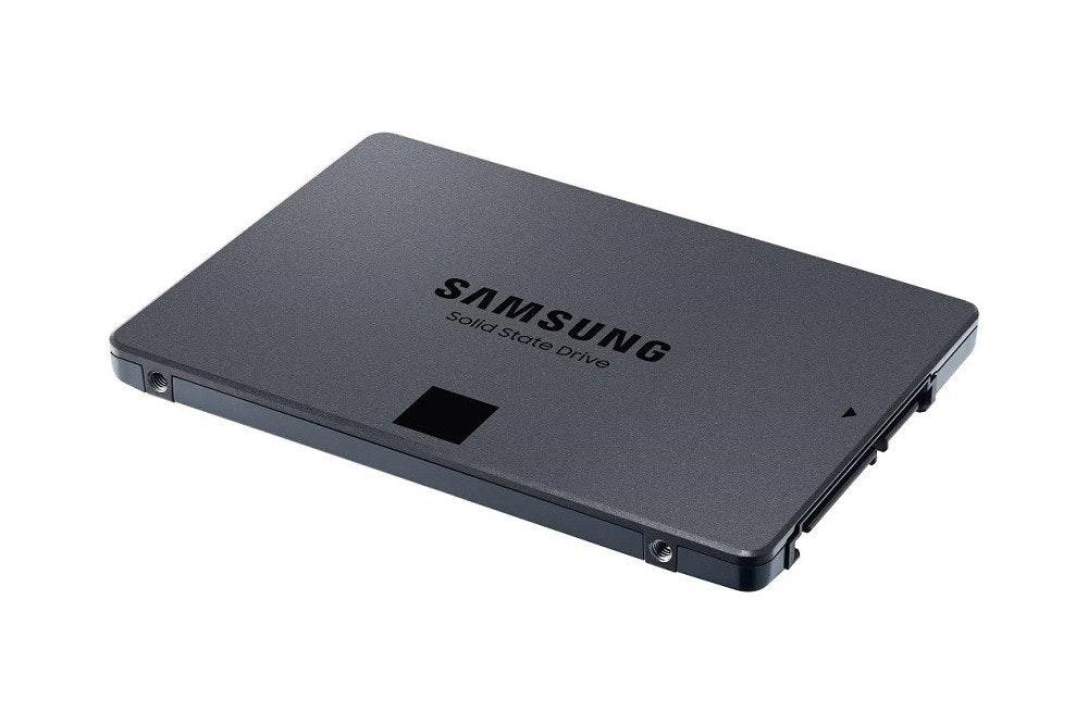 照片中提到了SAMSUNG、Solid State Drive,跟三星集團有關,包含了三星860 QVO、三星860 QVO SSD、固態硬盤、三星870 QVO 2.5 SATA SSD MZ-77Q、1 TB