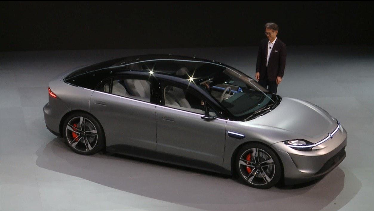 照片中包含了家用車、汽車、中型車、個人豪華車、緊湊型車
