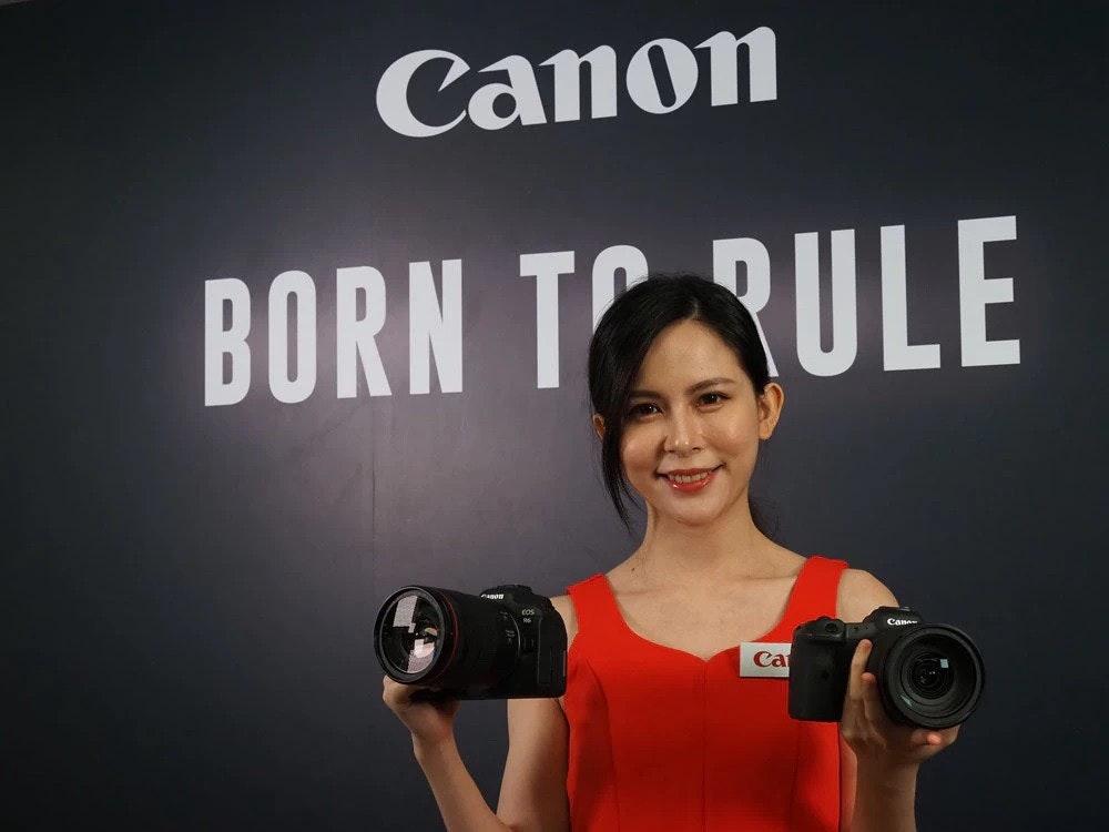 照片中提到了Canon、BORN TRULE、Cana,跟佳能公司有關,包含了拳擊手套、音響器材、佳能、ARM Cortex-M、佳能